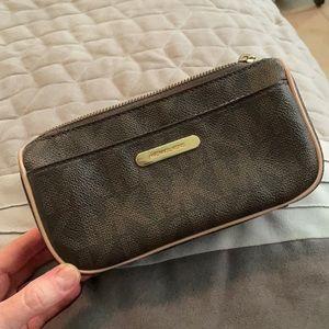 Michael Kors zip bag